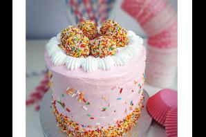 Funfetti Cakes & Sprinkles