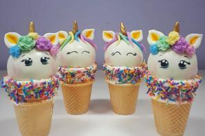 Decorative Cone Cake Pops