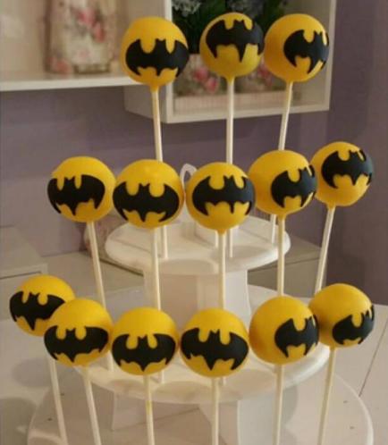 Batman Themed Cake Pops 01