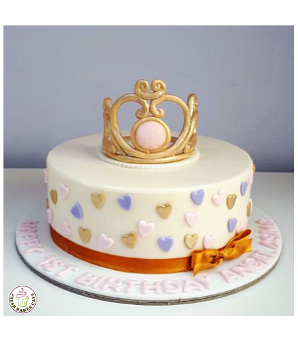 Crown Themed Cake 04