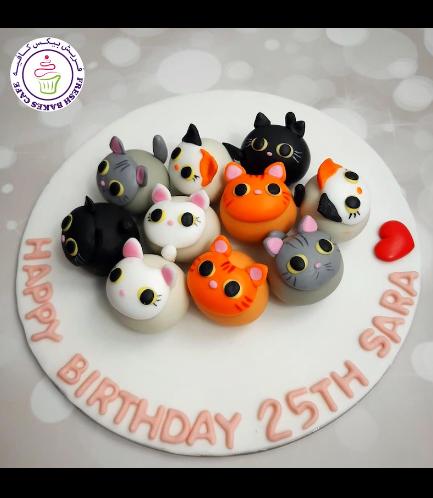 Cat Themed Cake Pops w/o Sticks 03 - on Board