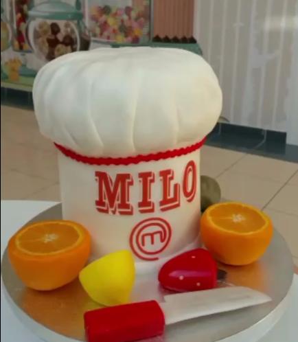 3D Chef Hat Cake 01