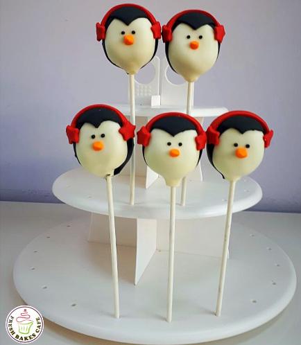 Christmas Themed Cake Pops 13