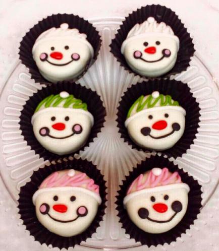 Chocolate Covered Oreos-Snowman