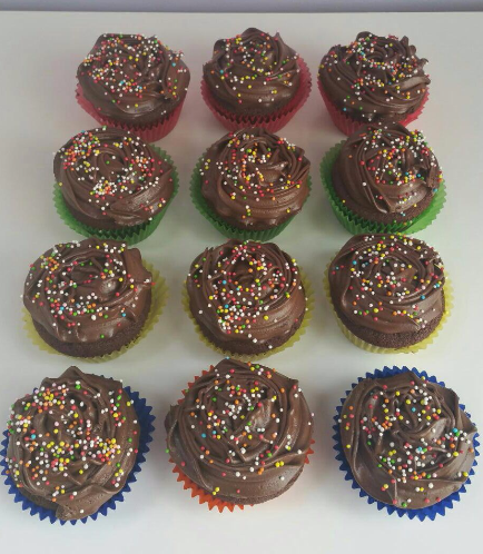 Cupcakes with Sprinkles 01