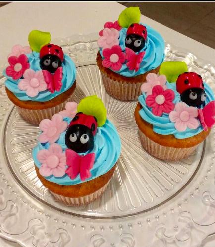 Ladybug Themed Cupcakes 01