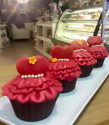 Dress Themed Cupcakes 02