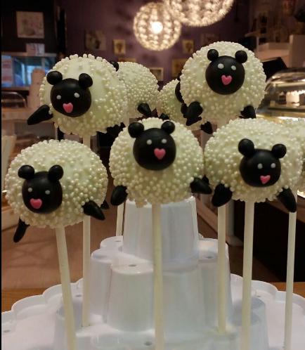 Sheep Themed Cake Pops 01