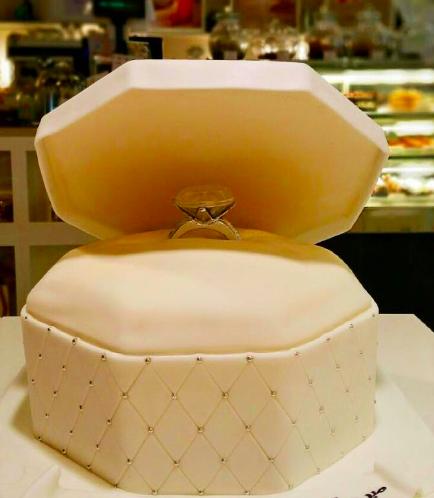 Engagement Themed Cake 03