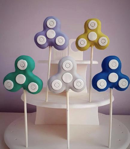 Fidget Spinner Themed Cake Pops 02