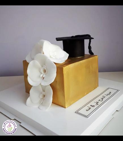 Graduation Themed Cake 53b