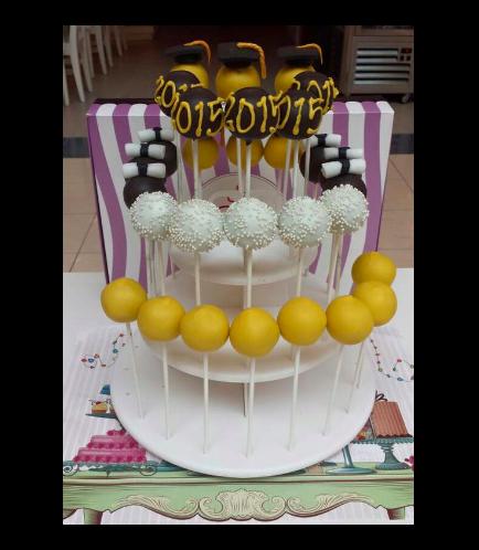Graduation Themed Cake Pops 1