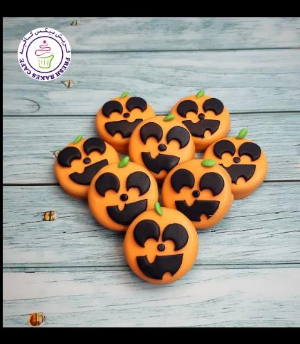 Halloween Themed Chocolate Covered Oreos - Jack-O-Lantern