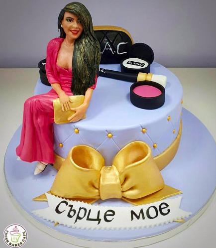 Lady on Cake 06