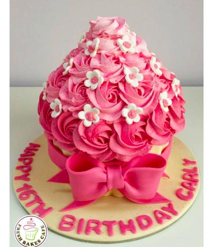Mega Cupcake 07