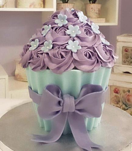 Mega Cupcake 02
