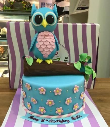 Owl Themed Cake - 3D Cake Topper 01