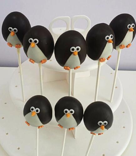 Penguin Themed Cake Pops 01