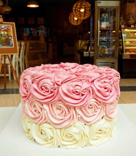 Rose Cream Ombre Cake 02