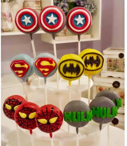 Superheroes Themed Cake Pops 02