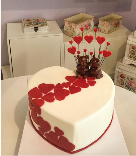 Valentine's Themed Cake 04