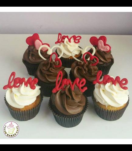 Valentine's Themed Cupcakes 02