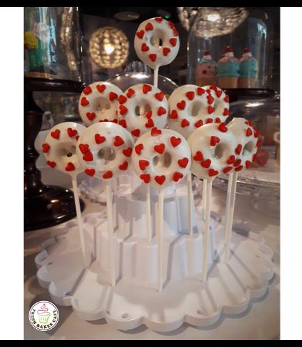 Valentine's Themed Donut Pops 01